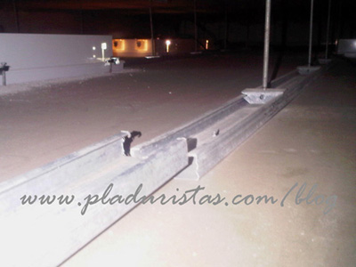 perfileria mal montada en un falso techo de Pladur en Barcelona.