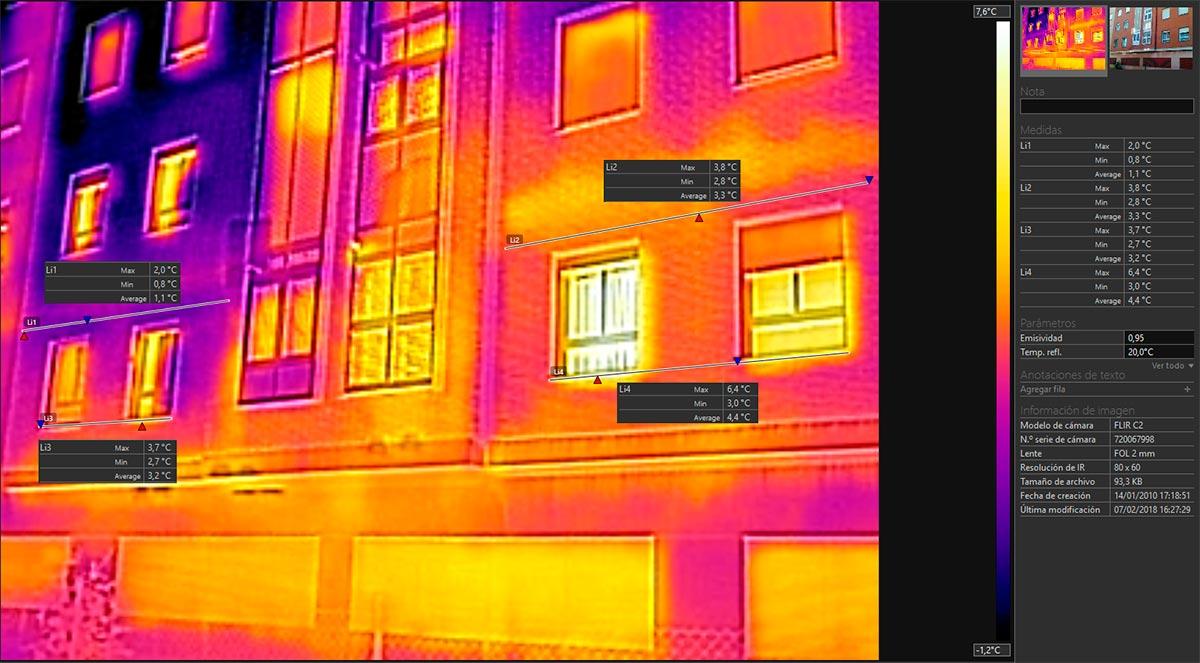 Foto térmica comparativa de una facha aislada parcialmente