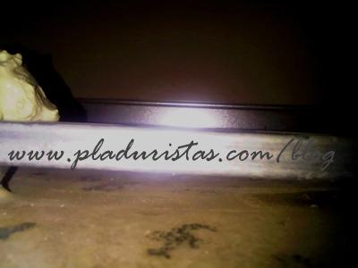 Desperfectos producidos por una gotera en un techo de Pladur.
