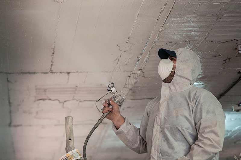 Proyectar mortero de lana de roca para aislar t rmicamente for Como aislar el techo de un piso